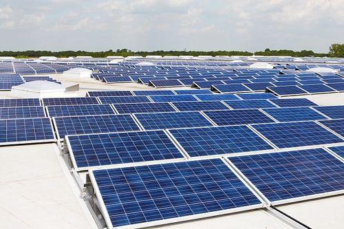 Photovoltaik_Dachanlage_Hannover_-_Schwarze_Heide_-_2_MW